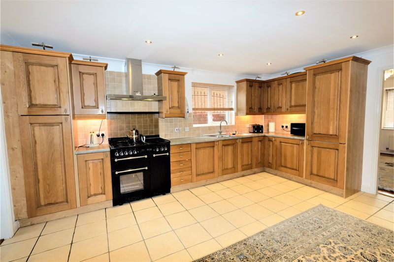 4 Bedroom Detached House For Sale - Photo 22