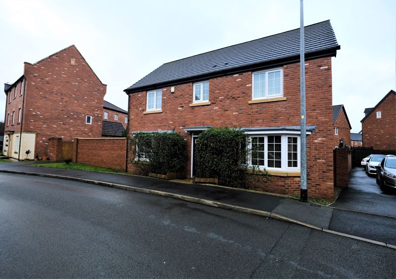4 Bedroom Detached House For Sale - Photo 27