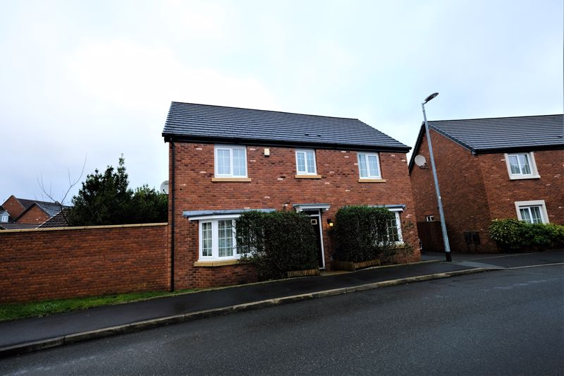 4 Bedroom Detached House For Sale - Photo 28