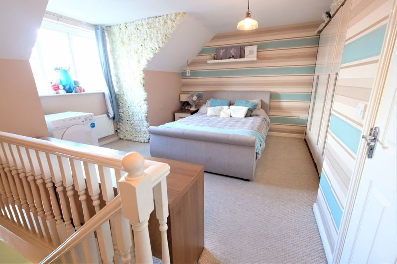 4 Bedroom Terraced House For Sale - Photo 10