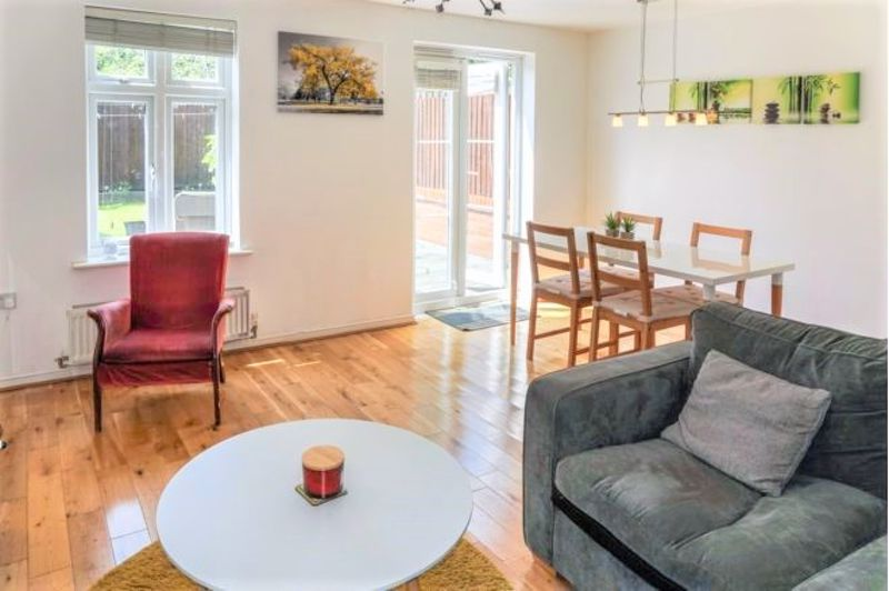3 Bedroom End Terrace House For Sale - Photo 16