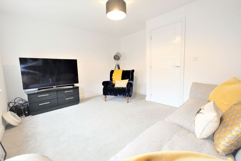 4 Bedroom Terraced House For Sale - Photo 12