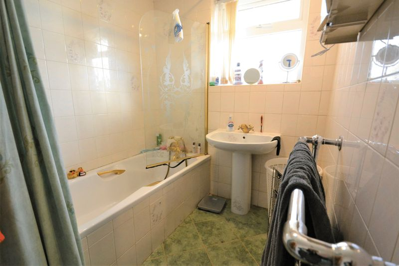 5 Bedroom Detached House For Sale - Photo 8