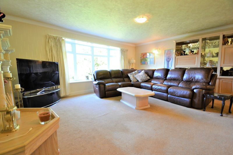 5 Bedroom Detached House For Sale - Photo 15