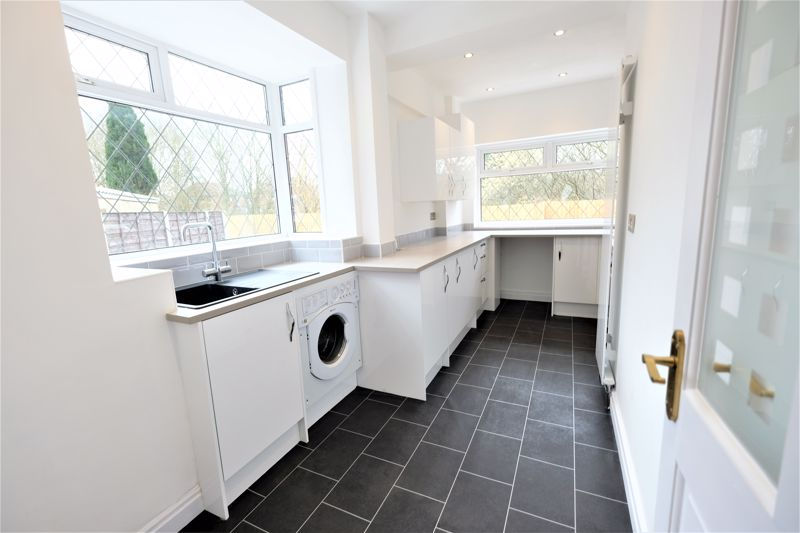 3 Bedroom Semi Detached House For Sale - Photo 11
