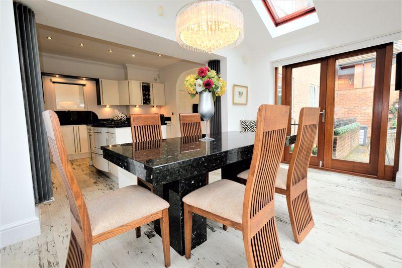 5 Bedroom Detached House For Sale - Photo 20