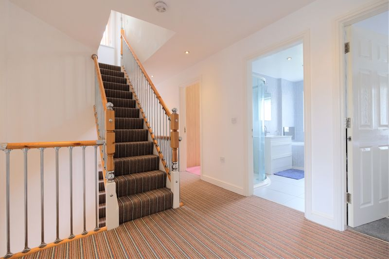 5 Bedroom Detached House For Sale - Photo 37