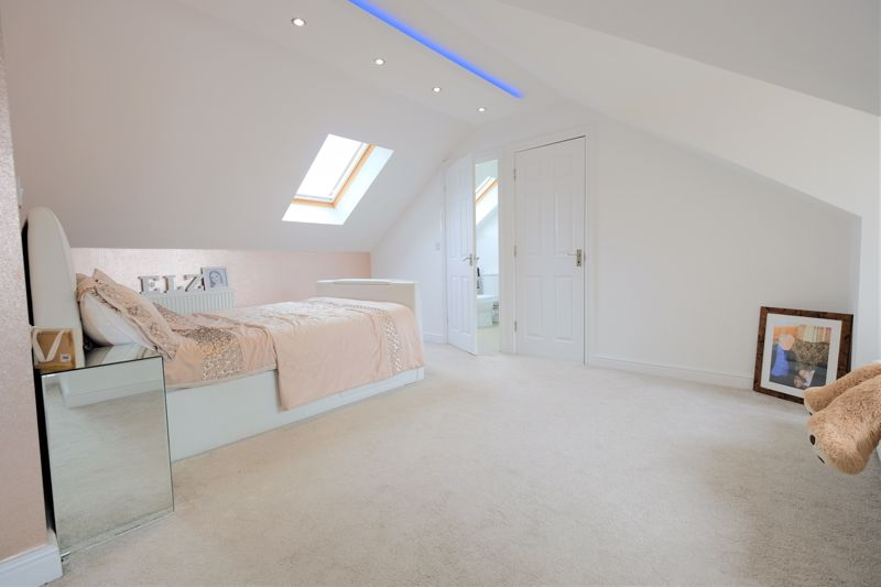 5 Bedroom Detached House For Sale - Photo 38