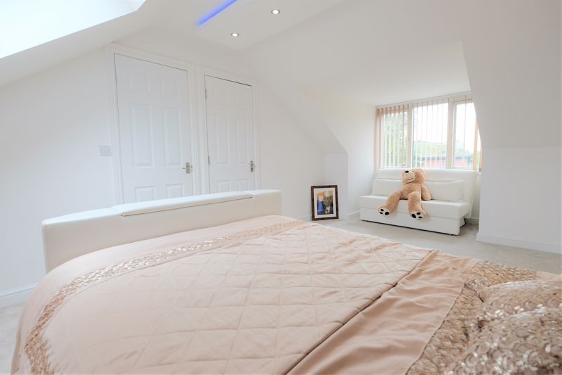 5 Bedroom Detached House For Sale - Photo 41