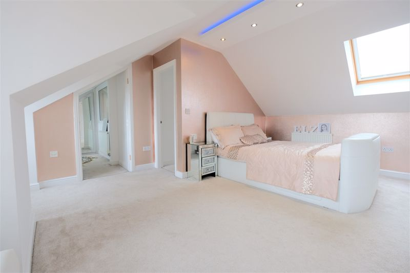 5 Bedroom Detached House For Sale - Photo 42