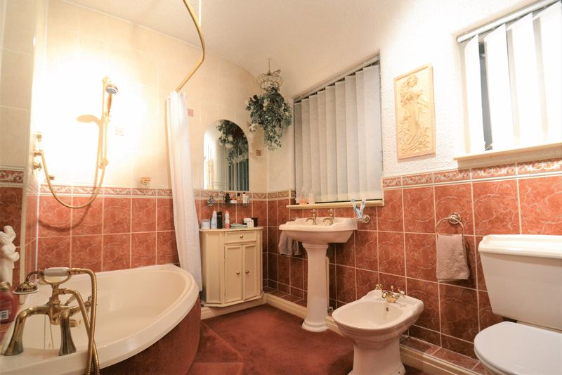 3 Bedroom Semi Detached House For Sale - Photo 1