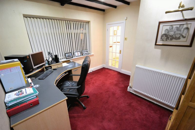 3 Bedroom Semi Detached House For Sale - Photo 7