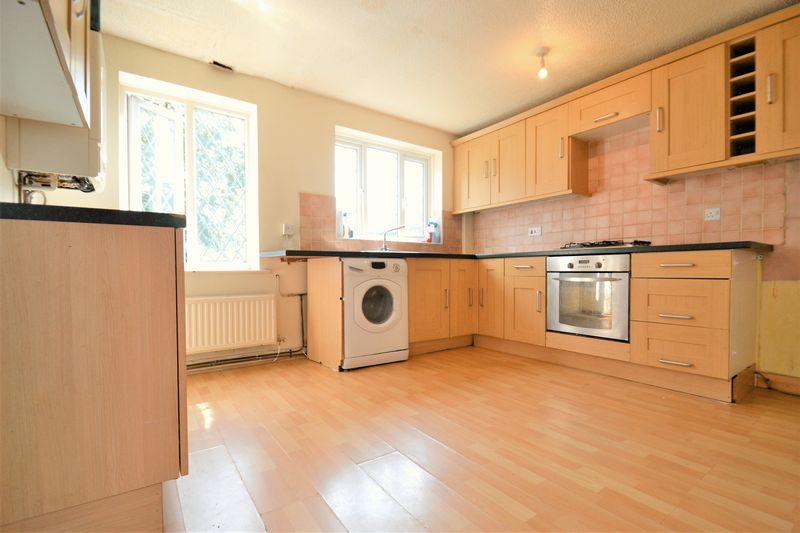 2 Bedroom Semi Detached House For Sale - Photo 7