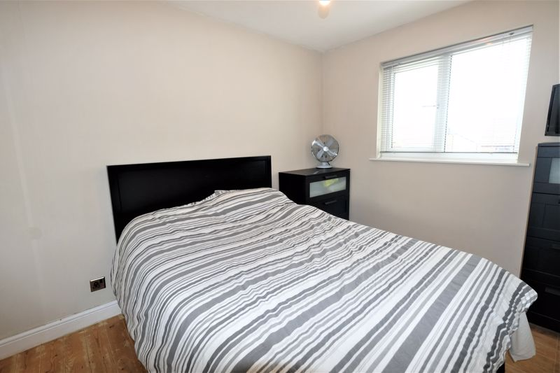 3 Bedroom Detached House For Sale - Photo 7