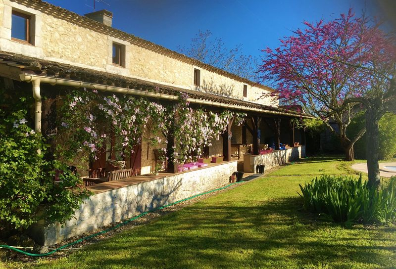 Fabulous renovated property plus gites, breathtaking views, salt water pool, walkable to Eymet!