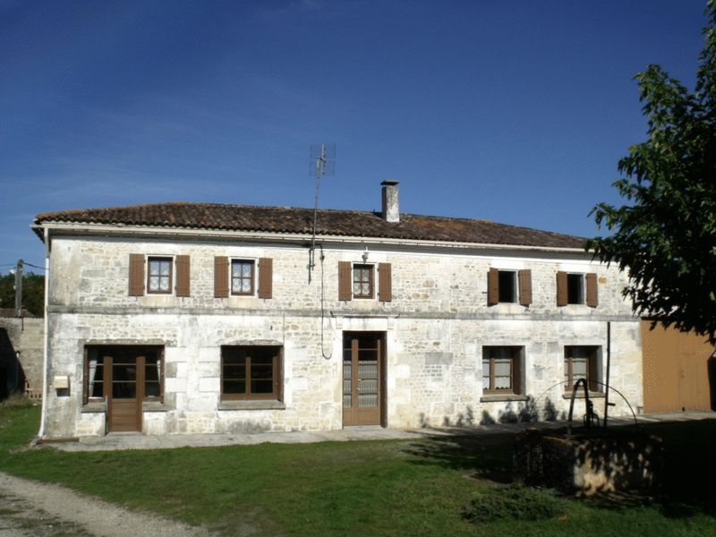 Traditional charentaise 20 min from the beach