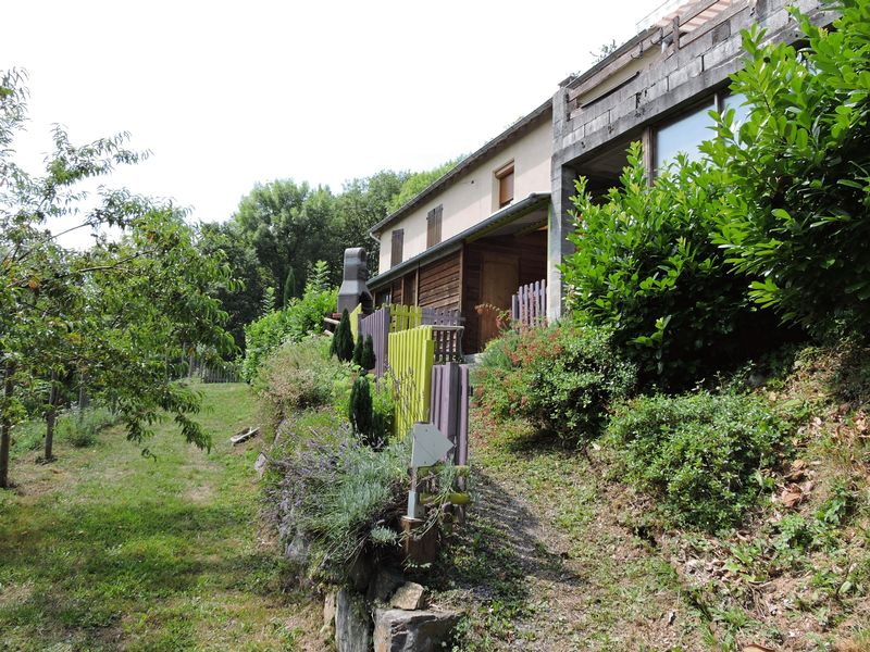 Equestrian centre with 2 very comfortable chalets, B&B accommodation in a spectacular location