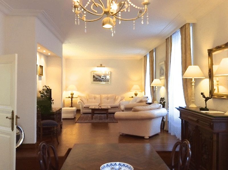 Elegant large stone town house with spectacular views