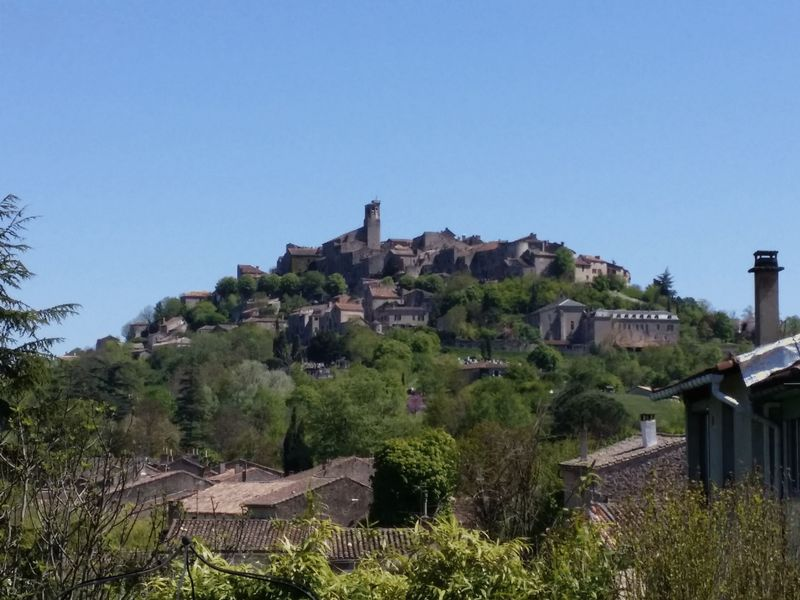 Beautifully renovated property with view on Cordes sur Ciel
