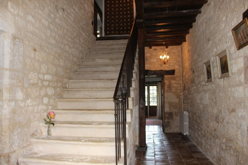 Beautiful stone mansion in the heart of the Golden Triangle