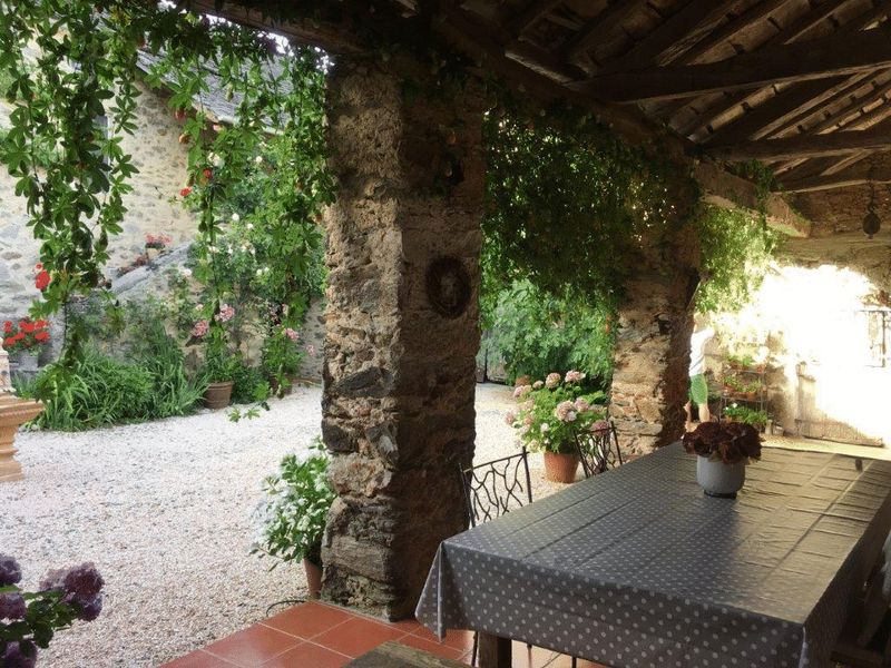 Beautiful bastide corps de ferme renovated to a luxurious standard throughout