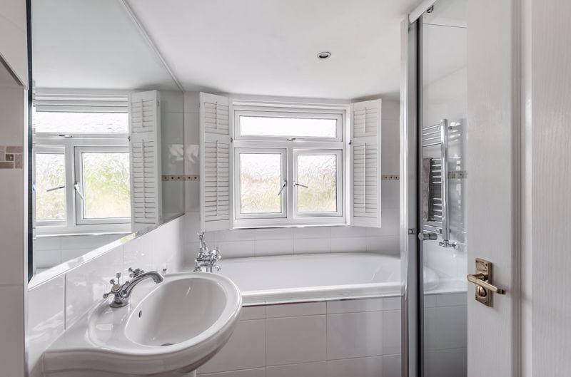 3 bedroom semi detached bungalow Under Offer in Worcester Park - Photo 1.
