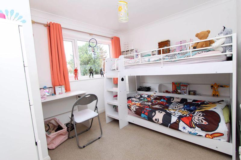 4 bedroom semi detached house Under Offer in Worcester Park - Photo 9.