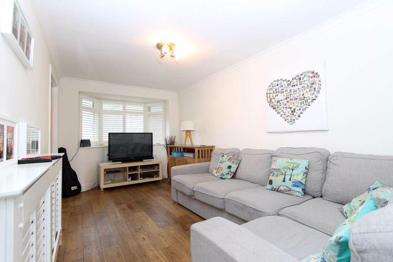 4 bedroom semi detached house Under Offer in Worcester Park - Photo 11.