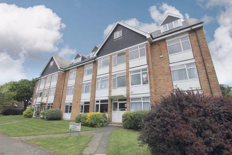 1 bedroom upper floor flat flat For Sale in Worcester Park - Photo 8.