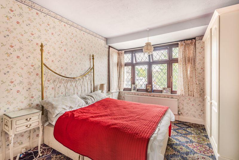 3 bedroom semi detached house Under Offer in Worcester Park - Photo 7.
