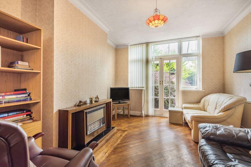 3 bedroom semi detached house Under Offer in Worcester Park - Photo 4.