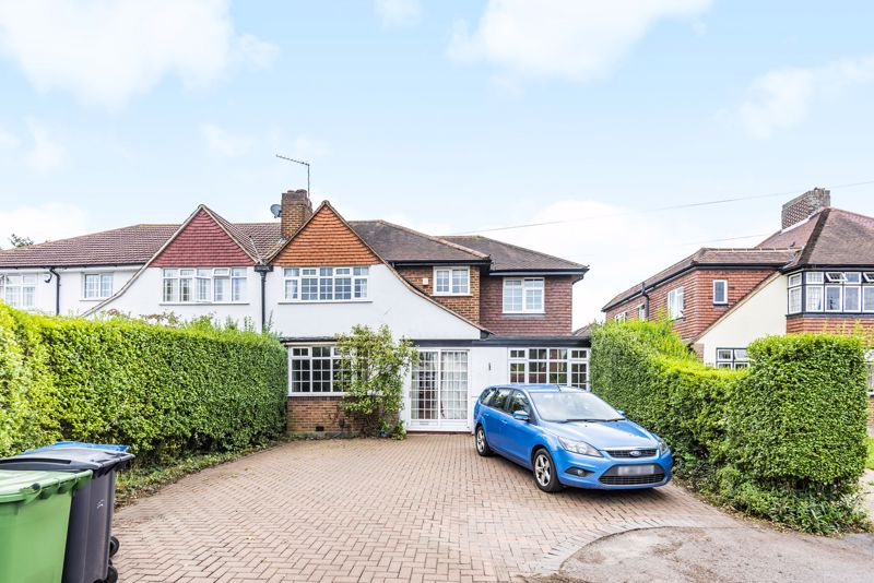 4 bedroom semi detached house For Sale in Worcester Park - Photo 12.
