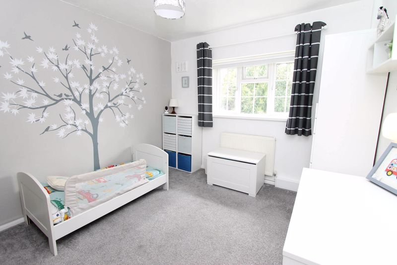 2 bedroom upper floor flat maisonette Under Offer in Worcester Park - Photo 4.