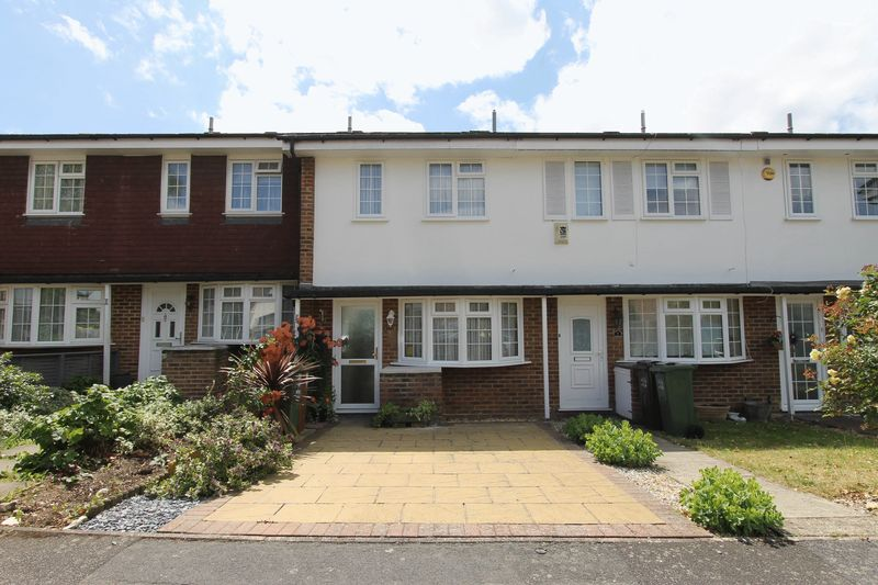 2 bedroom terraced house Under Offer in Worcester Park - Photo 9.