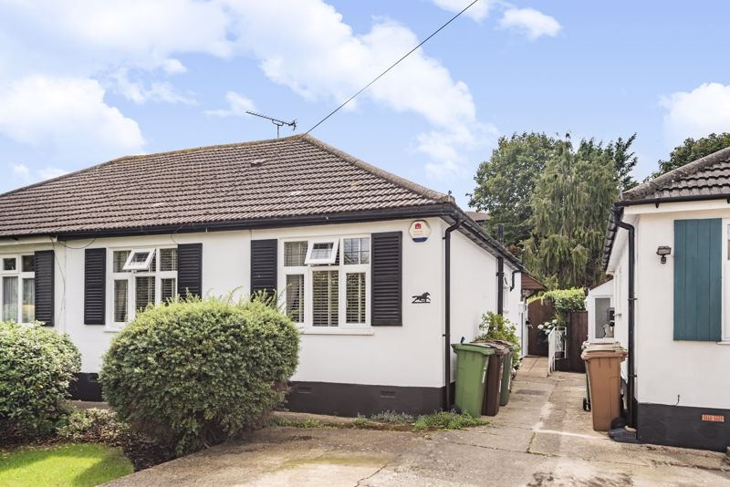 2 bedroom semi detached bungalow Under Offer in Worcester Park - Photo 1.