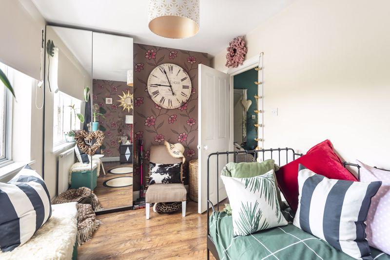 5 bedroom semi detached house Under Offer in Worcester Park - Photo 21.