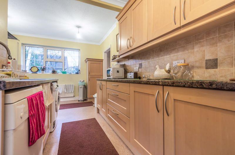 3 bedroom semi detached house Under Offer in Worcester Park - Photo 10.