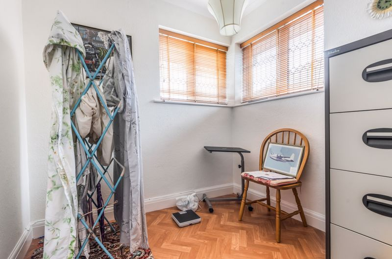 3 bedroom semi detached house Under Offer in Worcester Park - Photo 12.