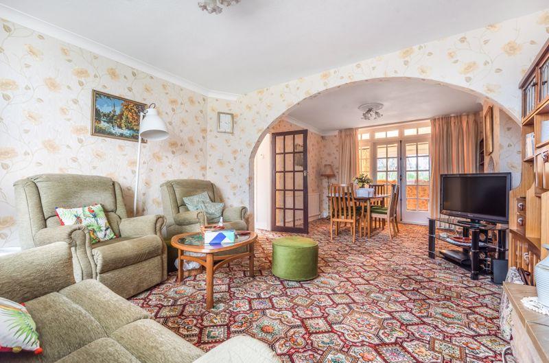 3 bedroom semi detached house Under Offer in Worcester Park - Photo 2.