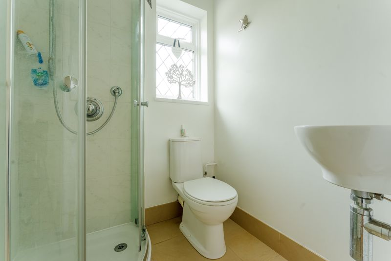 3 bedroom semi detached house Under Offer in Epsom - Photo 10.