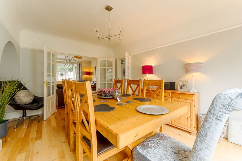 3 bedroom semi detached house Under Offer in Epsom - Photo 12.