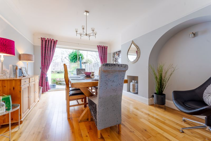 3 bedroom semi detached house Under Offer in Epsom - Photo 15.