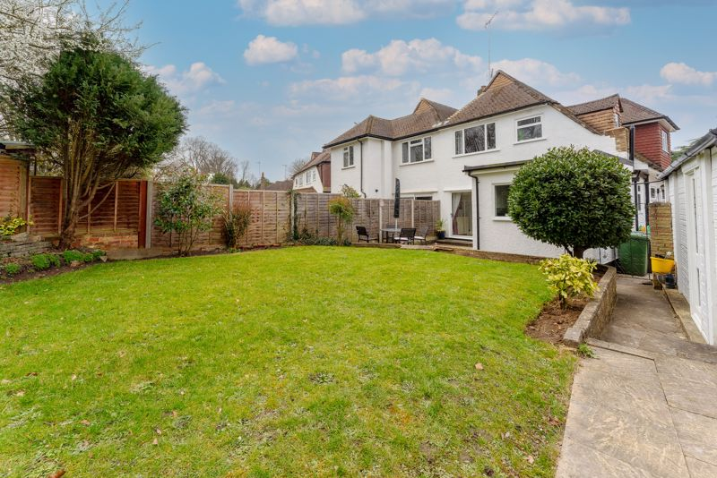 3 bedroom semi detached house Under Offer in Epsom - Photo 24.