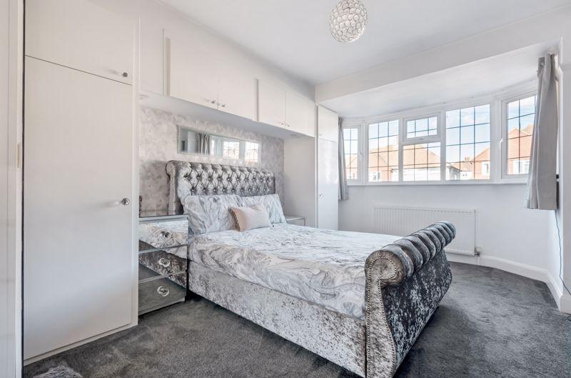 3 bedroom end terrace house Under Offer in Morden - Photo 5.