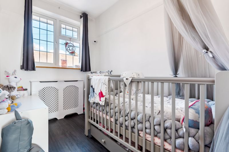 3 bedroom end terrace house Under Offer in Morden - Photo 8.