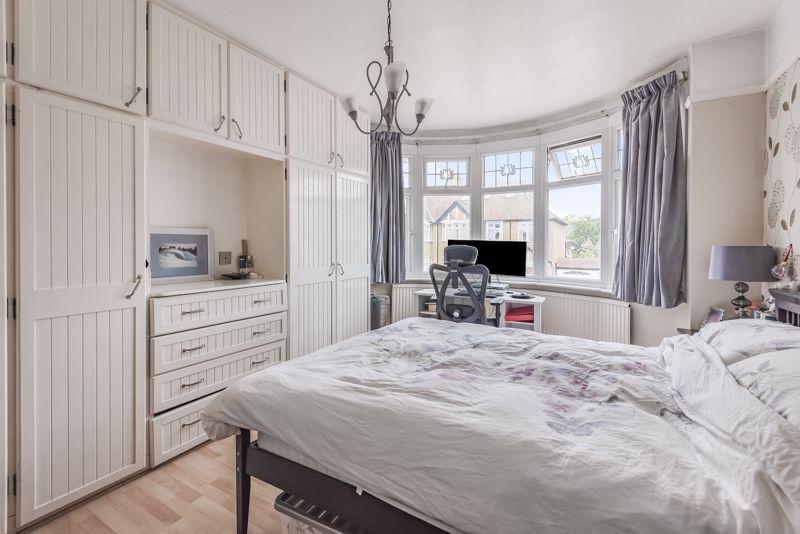 3 bedroom semi detached house Under Offer in Worcester Park - Photo 11.