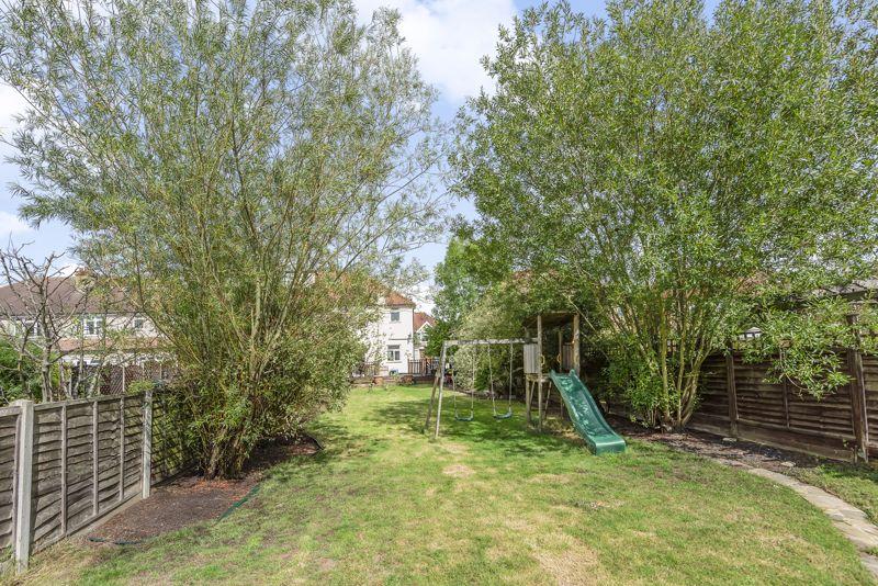 3 bedroom semi detached house Under Offer in Worcester Park - Photo 17.
