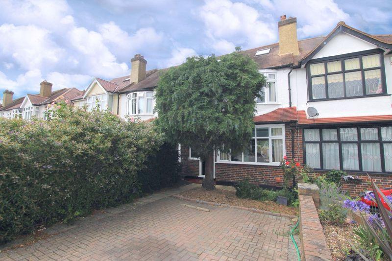 3 bedroom terraced house Under Offer in Epsom - Photo 9.