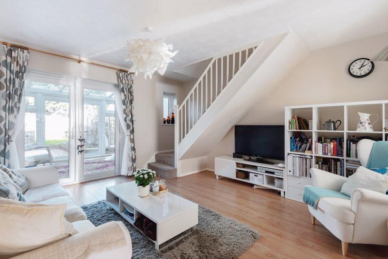2 bedroom terraced house Under Offer in Worcester Park - Photo 1.