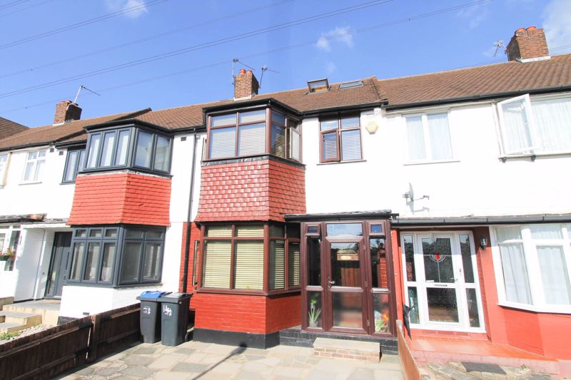 3 bedroom terraced house For Sale in Morden - Photo 13.
